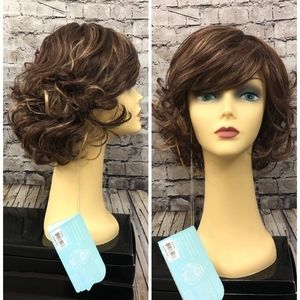 Crystal High Society synthetic wig Caramel Kiss
